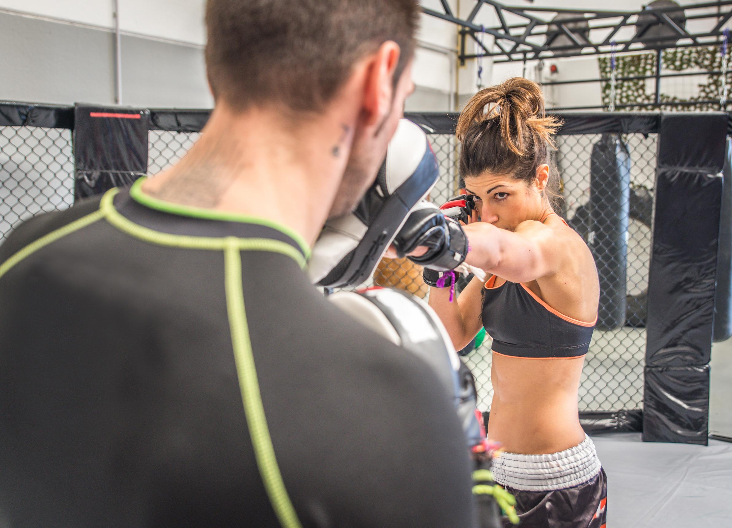 MMA各区闘技女子